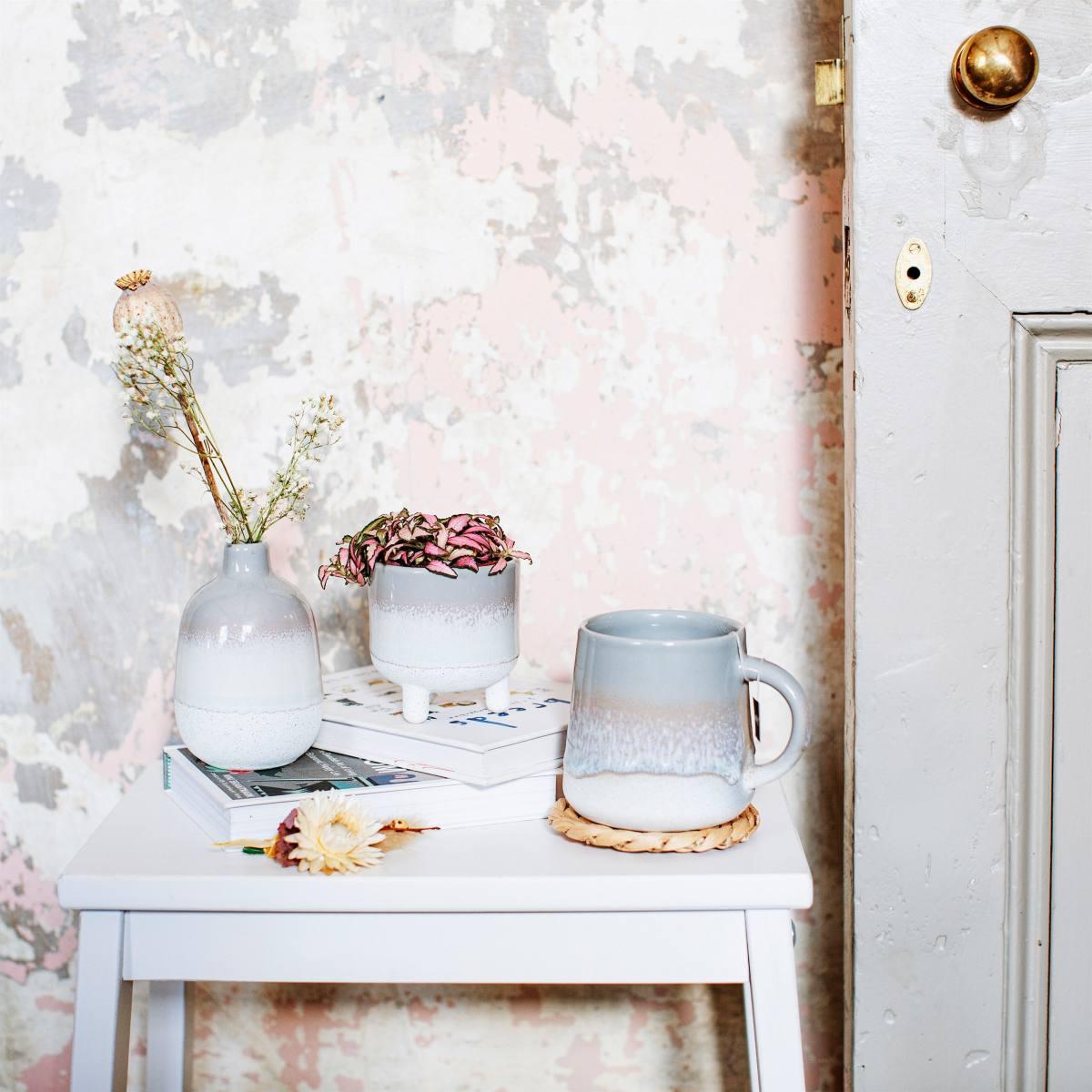 New Sass /& Belle Mojave Glaze Gloss Pink Reactive Glaze Speckled Stoneware Mug