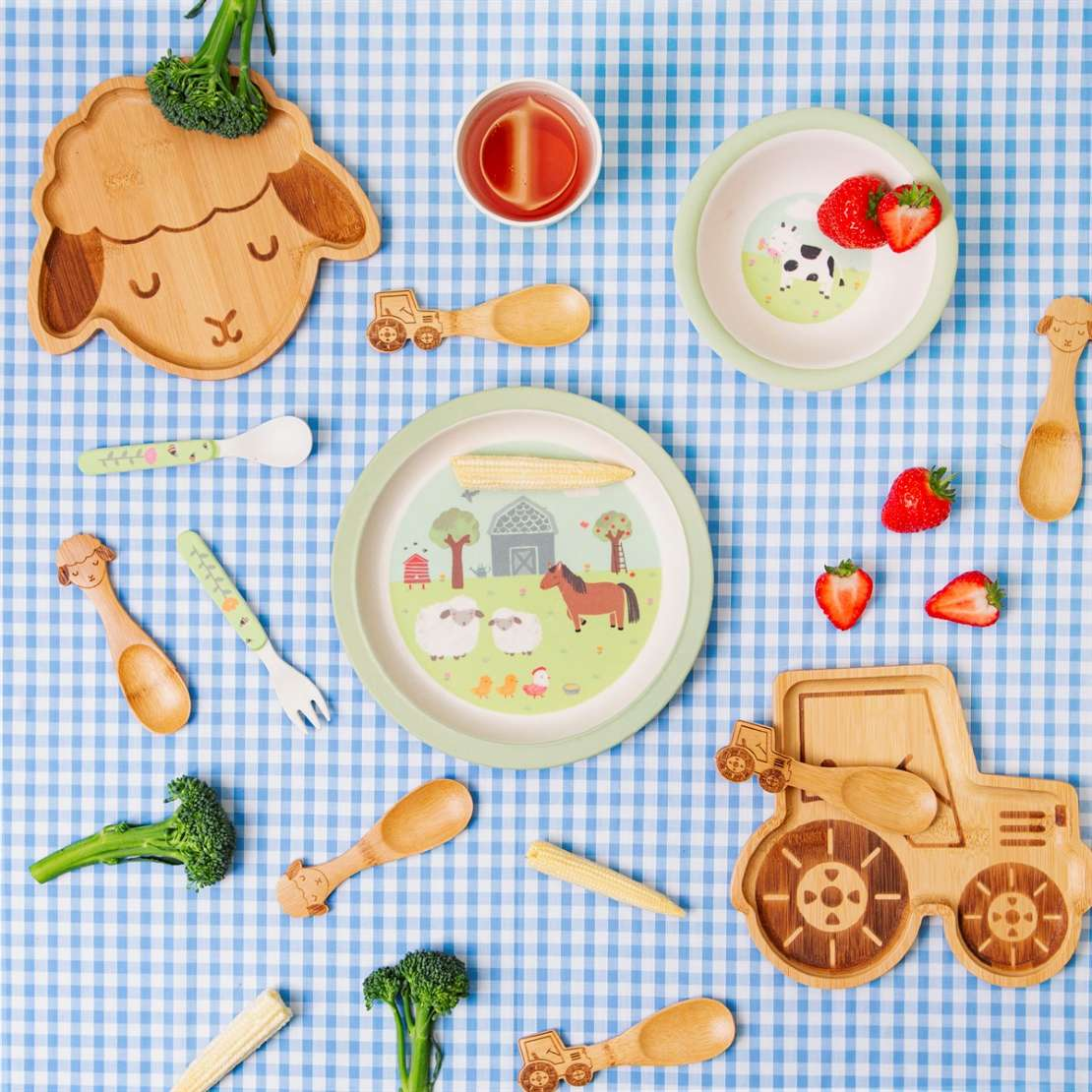 sas and belle bamboo table sets are great for picnics